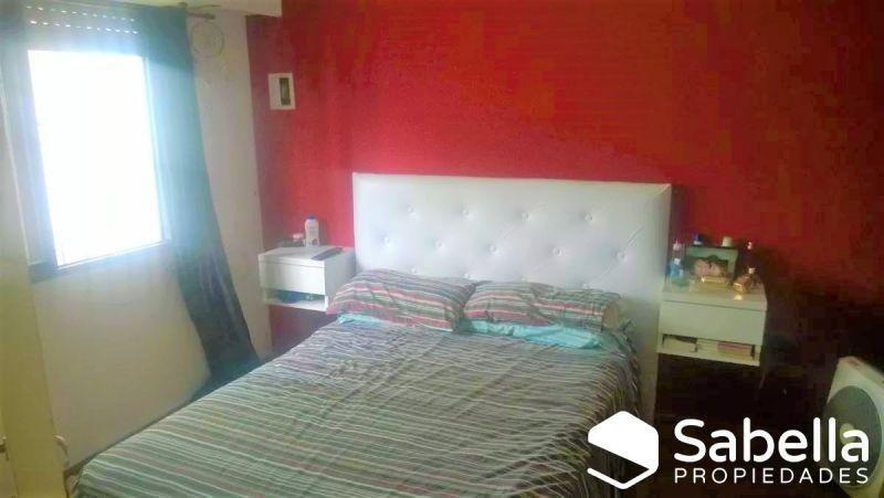 venta de ph de 2 dormitorios en los hornos, la plata.