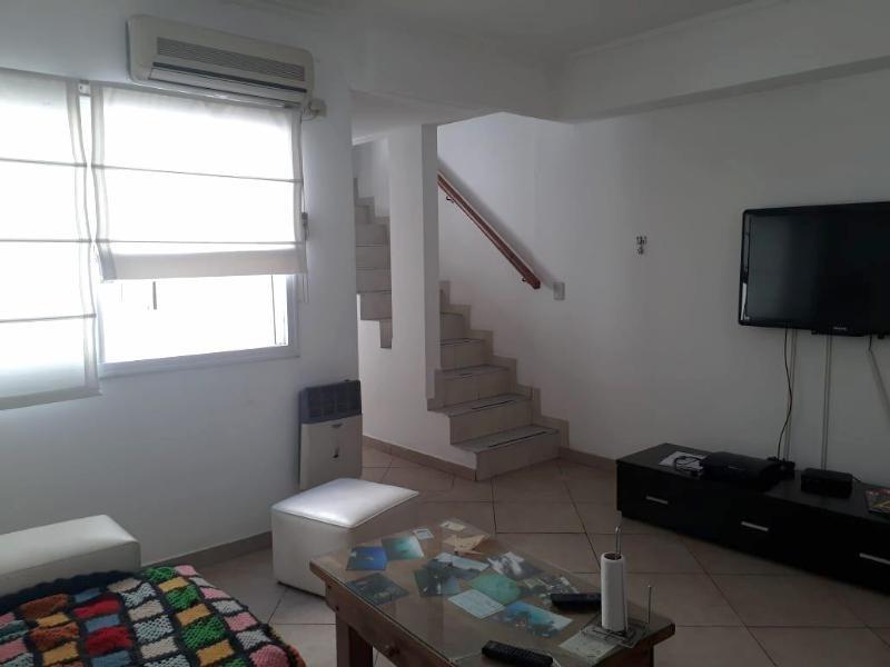 venta de ph de tres ambientes con terraza - liniers