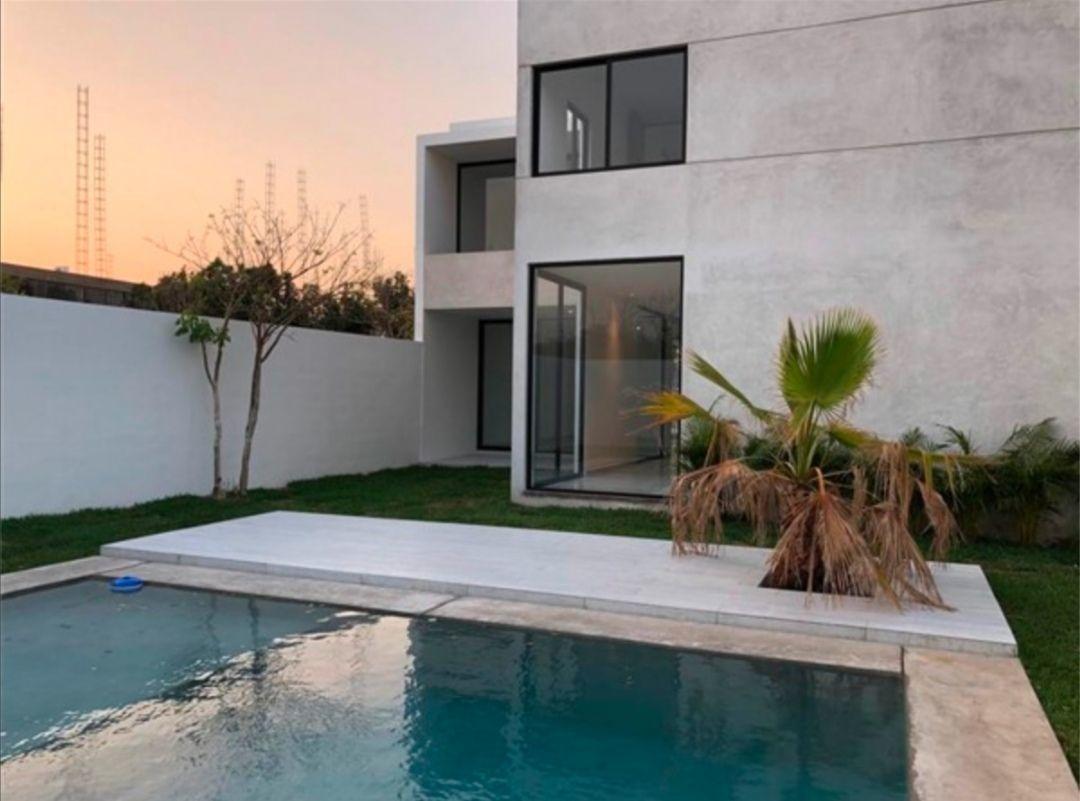 venta de residencia en privada novara temozón norte lote 4