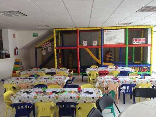 venta de salon de fiestas en barrio de santiago