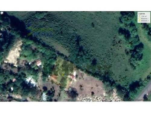 venta de terreno 1200 m² carretera a cazones veracruz km 24. terreno en venta ubicado en el km 24 del municipio cazones de herrera en veracruz. cuenta con 1200 m², tiene 40 metros de frente por 30 me