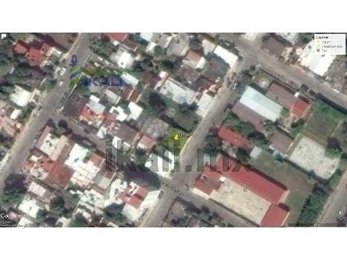 venta de terreno 210 m² col. cazones poza rica veracruz, se encuentra ubicado en la calle 18 de la colonia cazones, cuenta con 210 m², son 14 m. de frente por 15 m. de fondo, bardeado, el tipo de ter