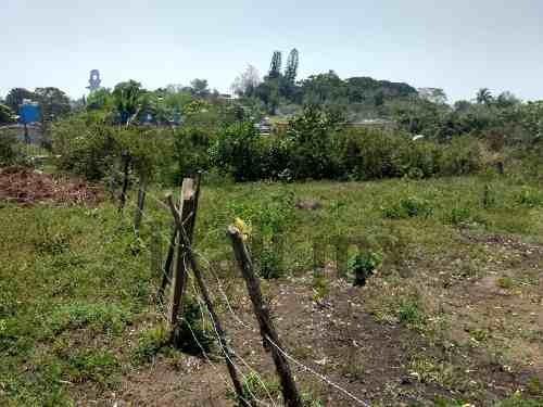venta de terreno 378 m² colonia naranjal tuxpan veracruz, se encuentra ubicado en la calle 5 de la colonia naranjal, casi esquina con la continuación de la calle 16 de septiembre, en la loma de un ce