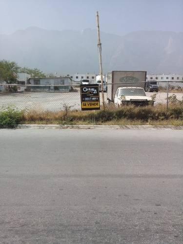 venta de terreno comercial en santa catarina