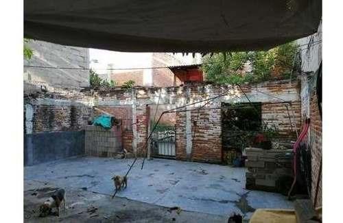 venta de terreno con construcción en zona norte oriente ubicado en el fracc. 13 de julio muy cerca de plaza ambar