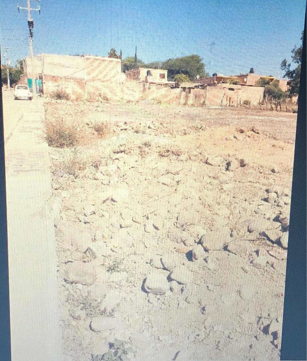 venta de terreno con servicios de agua y luz