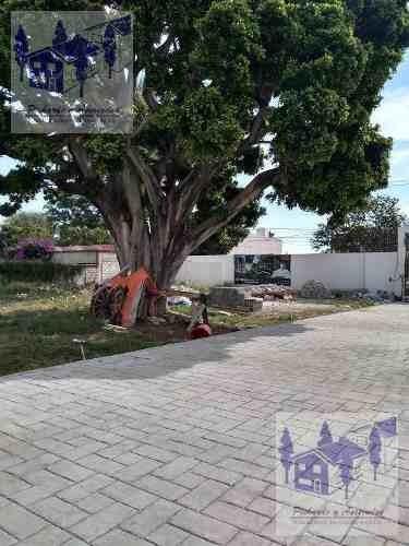 venta de terreno  de 229 metros dentro de fraccionamiento en jardines de cuernavaca