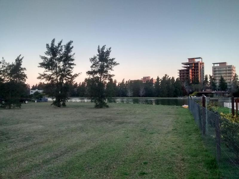 venta de terreno en aldea lago