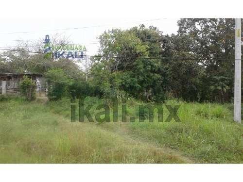 venta de terreno en congregacion banderas, tuxpan ver. se encuentra ubicado a bordo de la carretera tuxpan-tamiahua en la congregación banderas en el municipio de tuxpan veracruz. cuenta con 15 metro