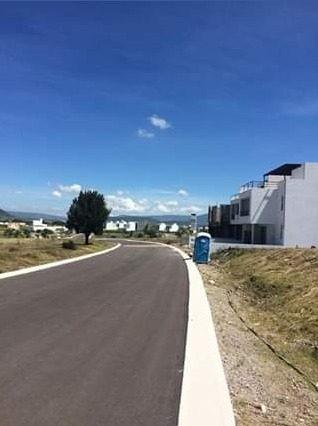 venta de terreno en juriquilla  de 140m2 en fraccionamiento cerrado