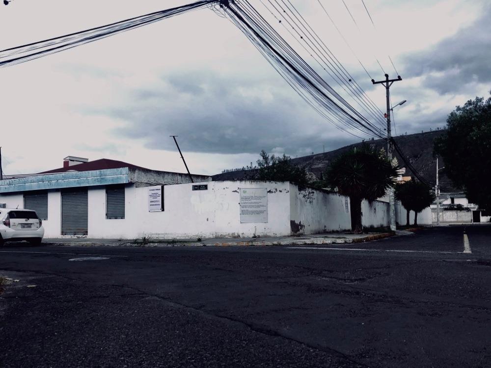 venta de terreno en norte  610m2, con locales comerciales