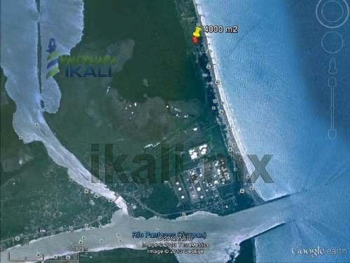 venta de  terreno en tuxpan veracruz plano de fácil acceso, con calle por en frente y por de tras, son 4000 m² de terreno en forma rectangular 80 m. x 50 m. en la playa sobre la carretera a la termoe