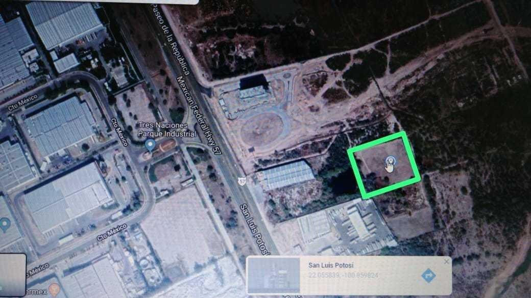 venta de terreno frente al parque industrial 3 naciones  slp