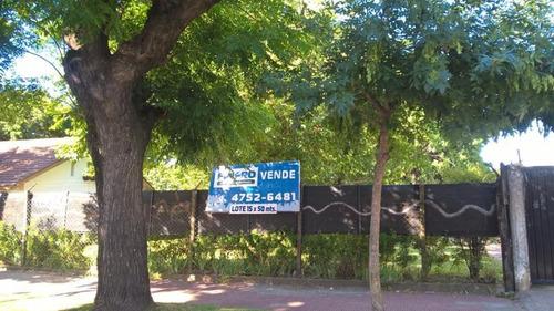 venta de terreno zona residencial. villa ballester.-
