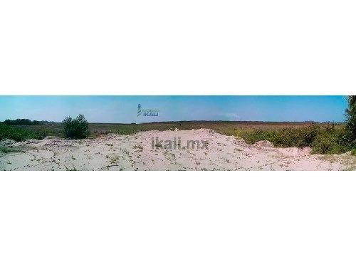 venta de terrenos en playa de tuxpan veracruz 7 has.terreno de venta en playa de tuxpan ubicado en la carretera a la termoeléctrica km. 9 es un terreno de 70000 m², 100 metros de frente por 700 m. de
