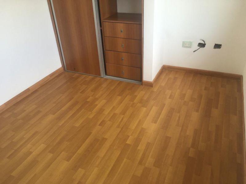 venta de triplex de 2 dormitorios en casco urbano.