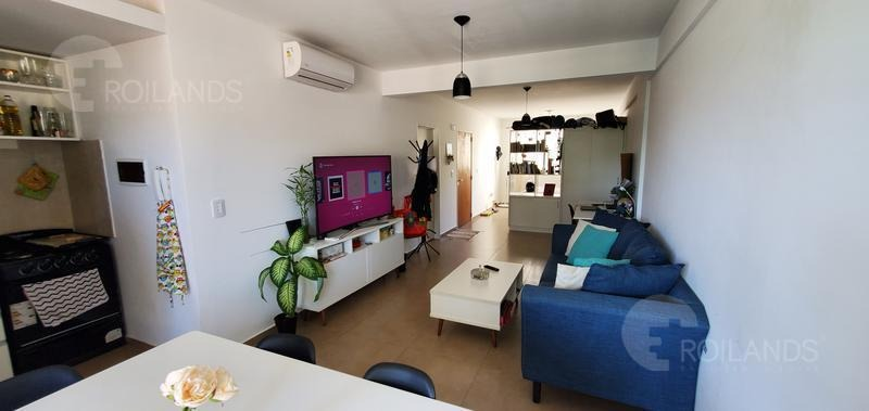 venta departamento 1 ambiente divisible con balcón y cochera  - san cristobal