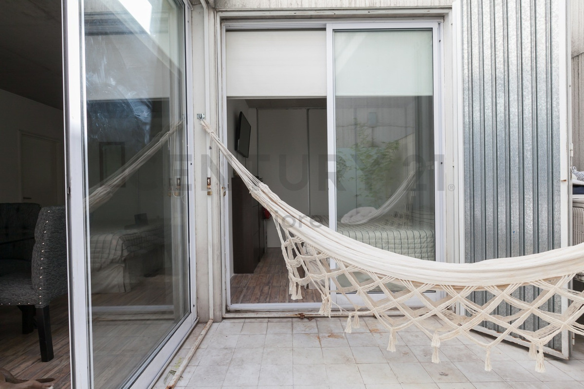 venta departamento 2 ambientes con patio