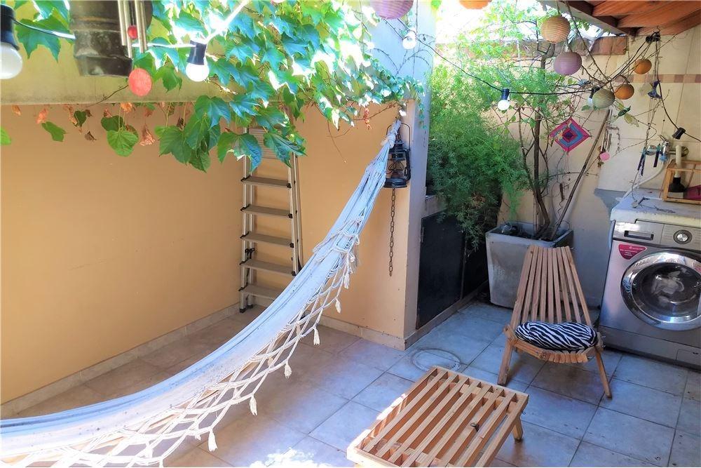 venta departamento 2 ambientes con patio y parrill