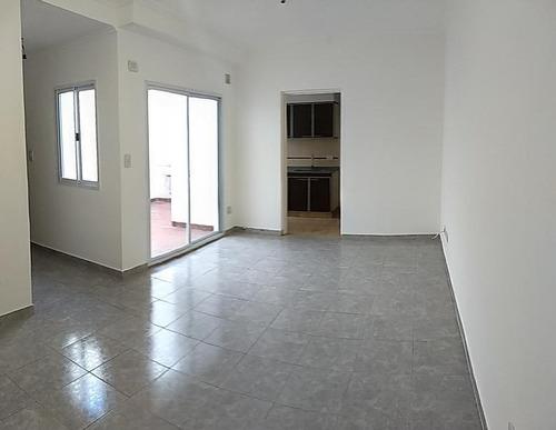venta departamento 2 ambientes en planta baja.
