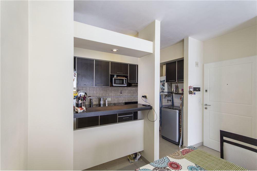 venta departamento  2 ambientes - monte castro