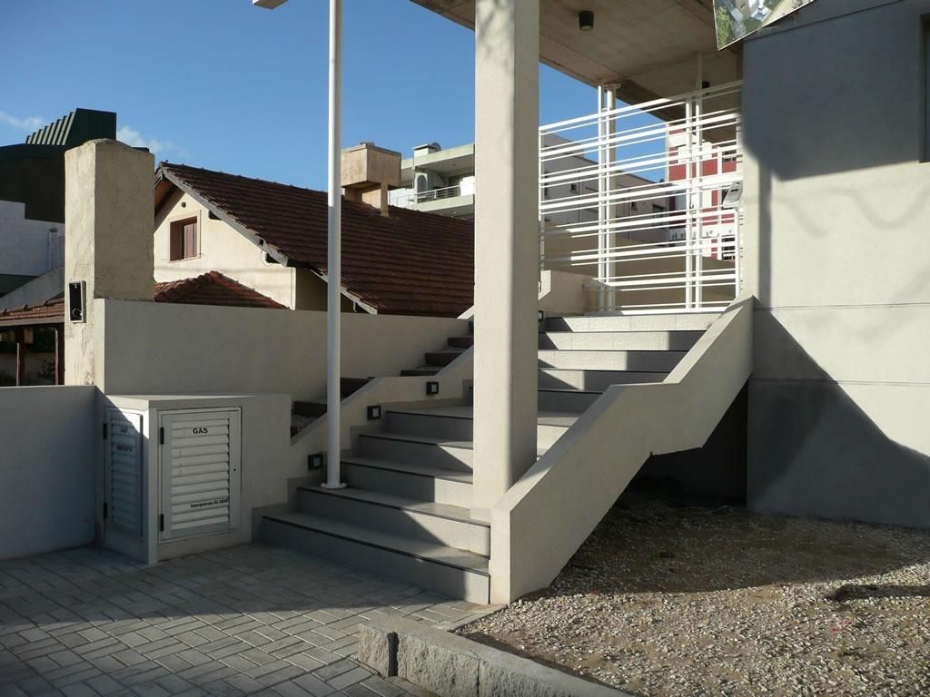 venta departamento 2 ambientes villa gesell zona centro