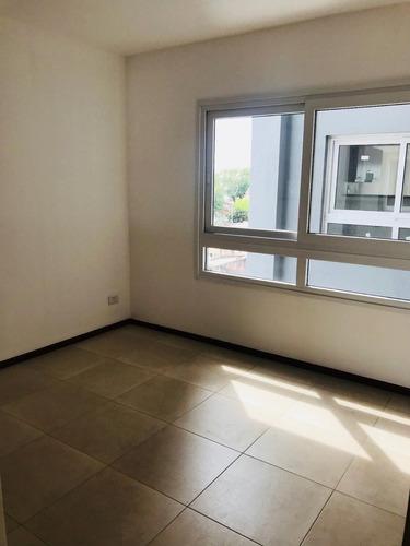 venta departamento 2 ambientes villa luro balcon rivad. 9000