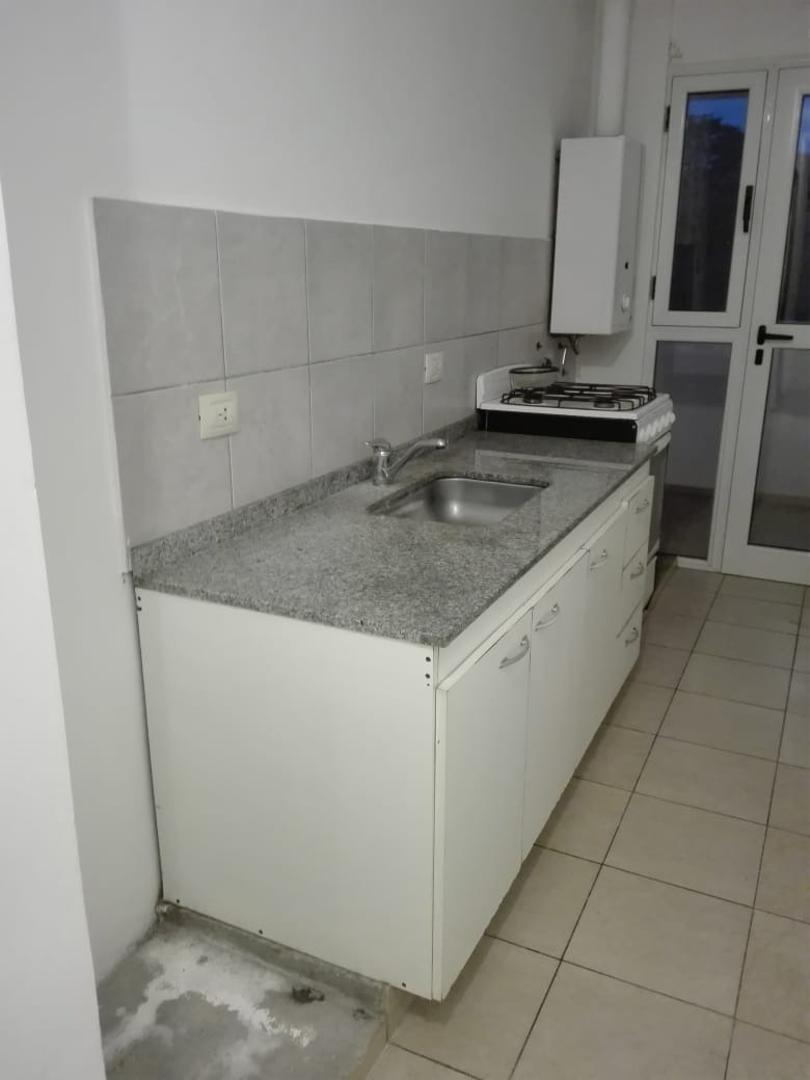 venta departamento 2 dormitorios con balcon en cordoba