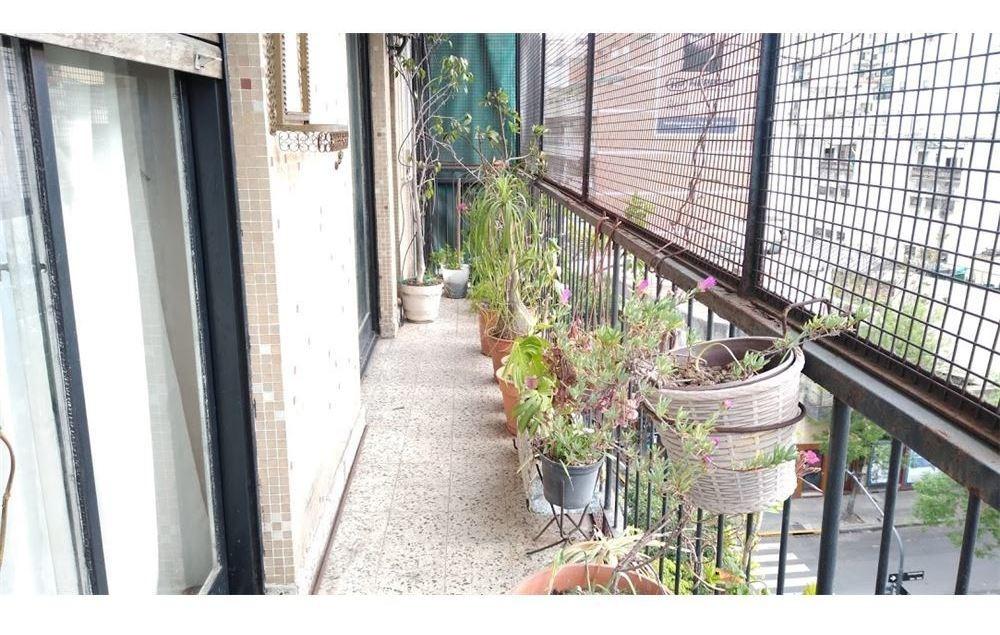 venta departamento 3 amb  balcón corrido