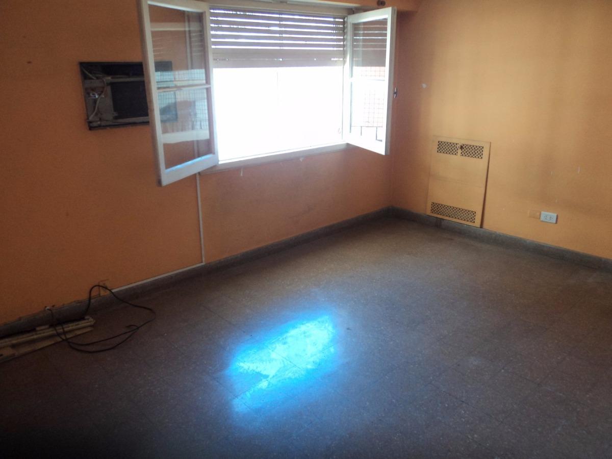 venta departamento 3 ambientes a mts de estacion liniers