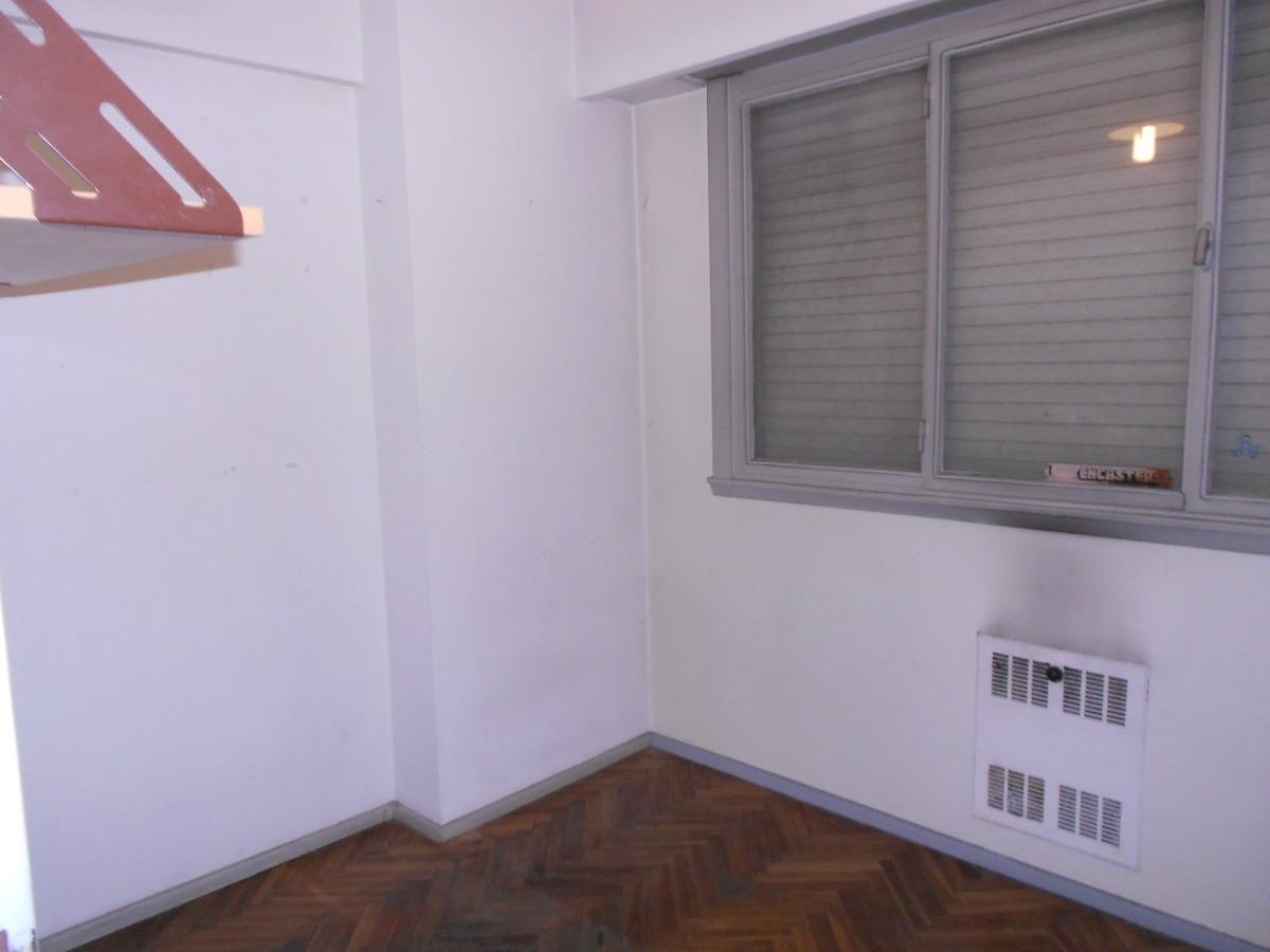 venta departamento 3 ambientes almagro ed. vigilancia 24 hs.