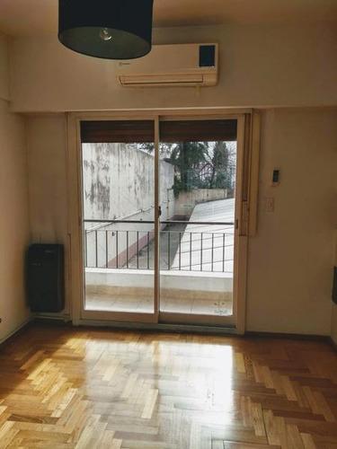 venta departamento 3 ambientes balcones patio cochera flores