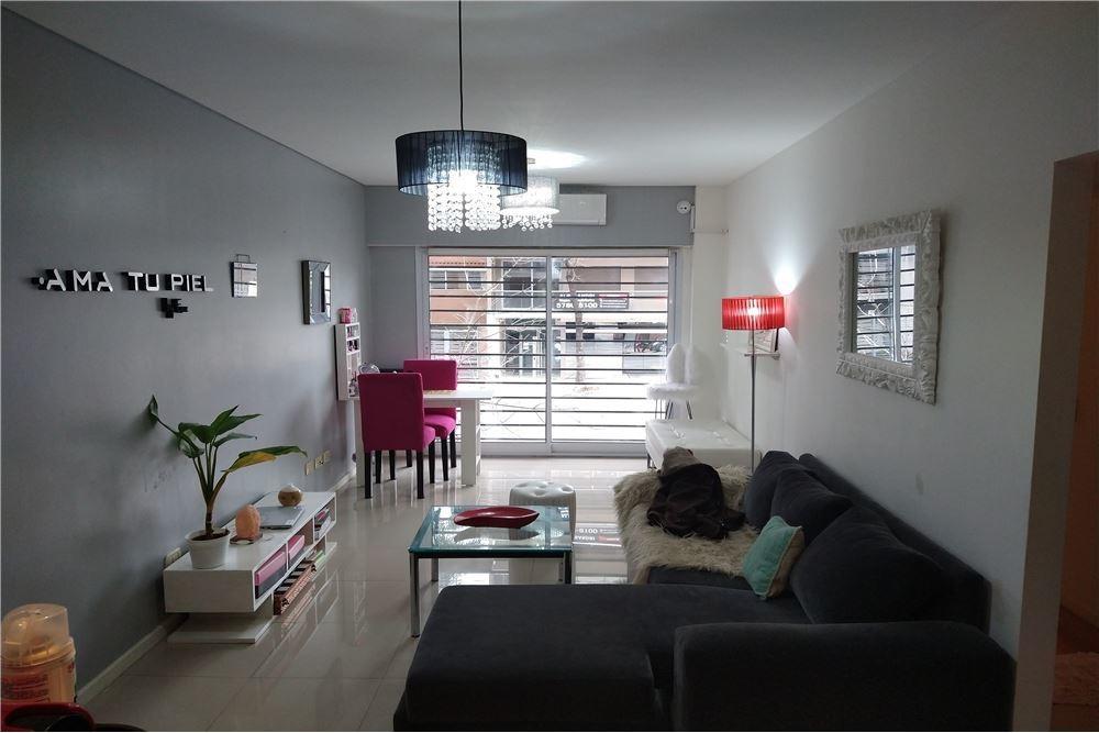 venta-departamento 3 ambientes con patio-floresta