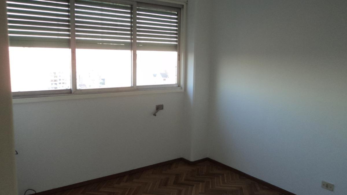 venta departamento 3 ambientes en liniers.
