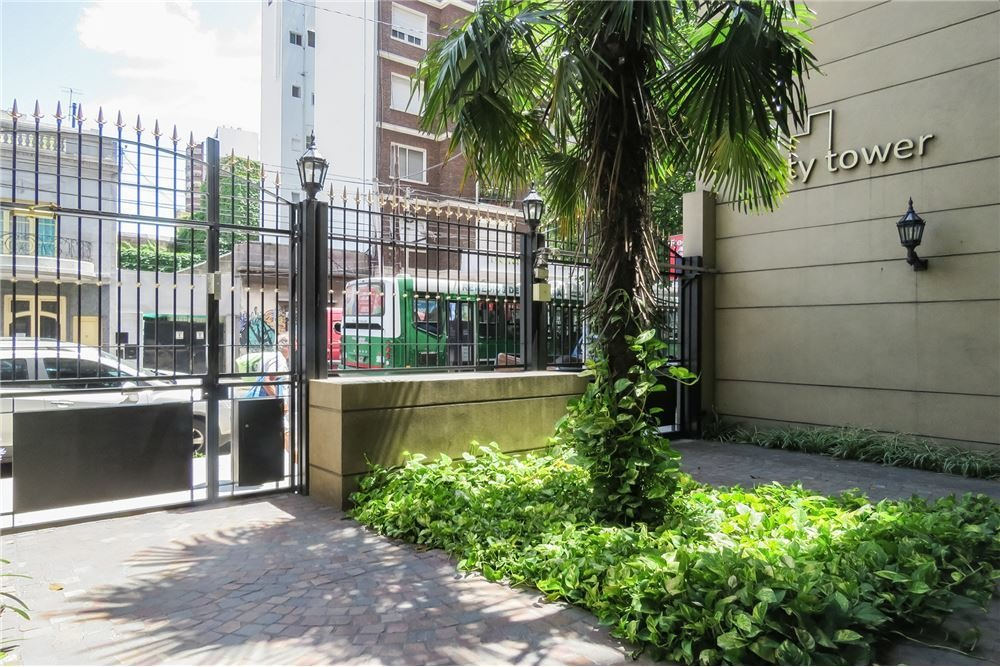 venta departamento 4 amb avellaneda cochera ,patio