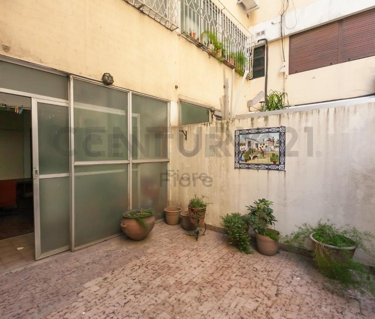 venta departamento 4 ambientes con dependencia patio cochera baulera en cañitas