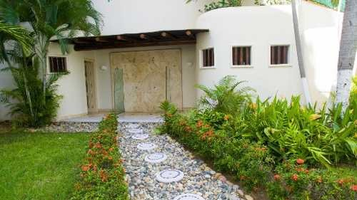 venta departamento a una cuadra de la playa en club deportivo acapulco