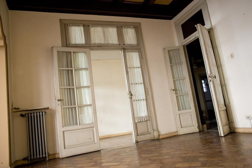 venta departamento antiguo piso exclusivo en el microcentro