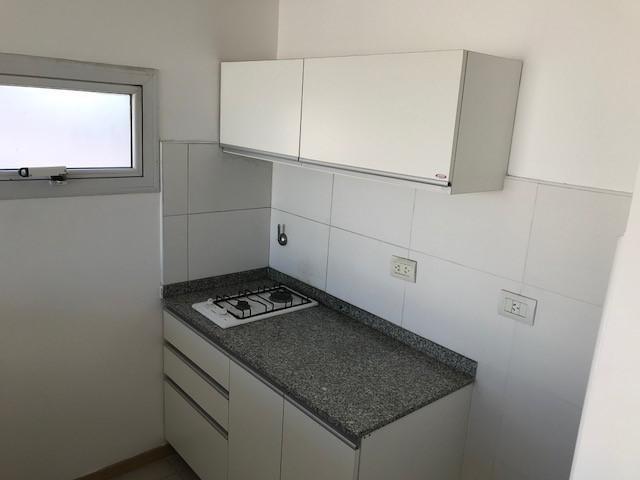 venta departamento de 1 dormitorio semipiso  barrio luis agote