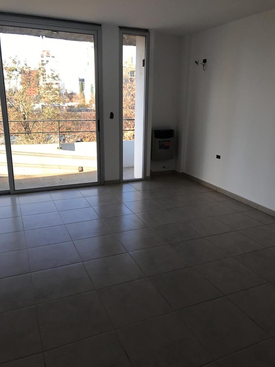 venta departamento de 2 dormitorios en la plata con balcón