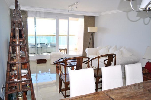 venta departamento de 4 ambientes y 2 cocheras en playa mansa, punta del este
