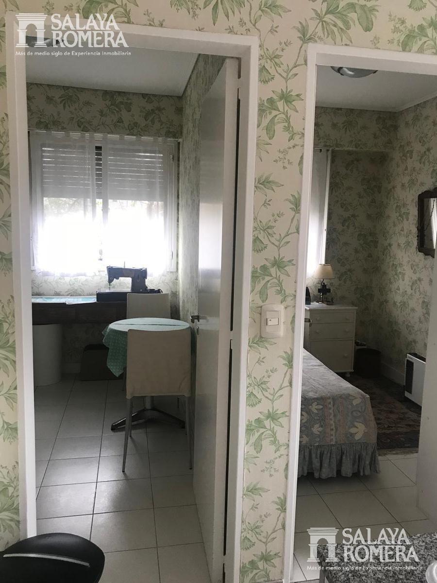 venta - departamento de categoria - 3 dormitorios más dependencia - martinez