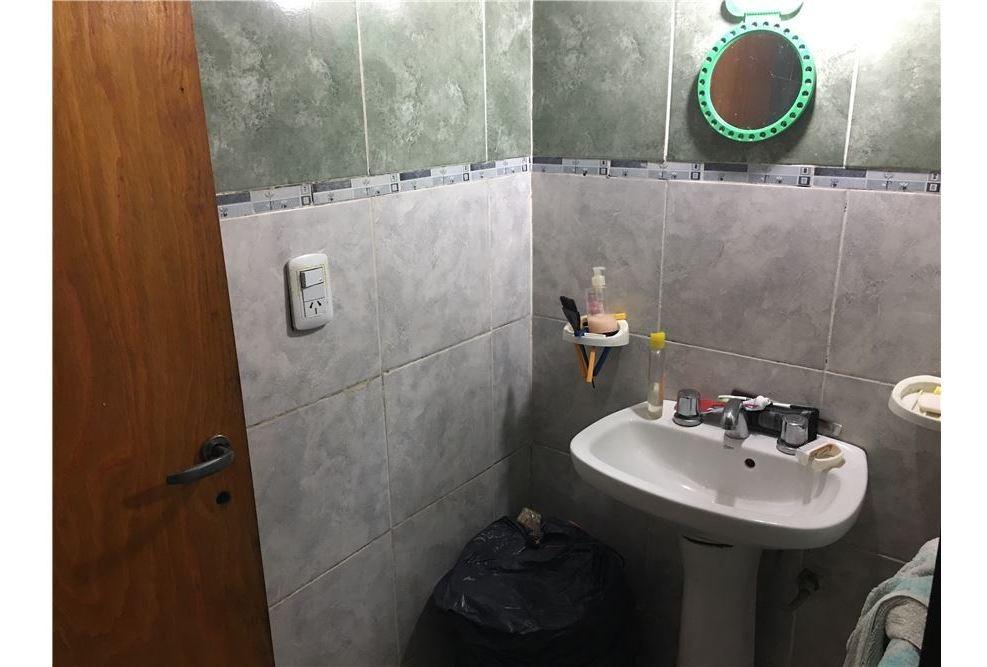 venta departamento de pasillo de 1 dormitorio.