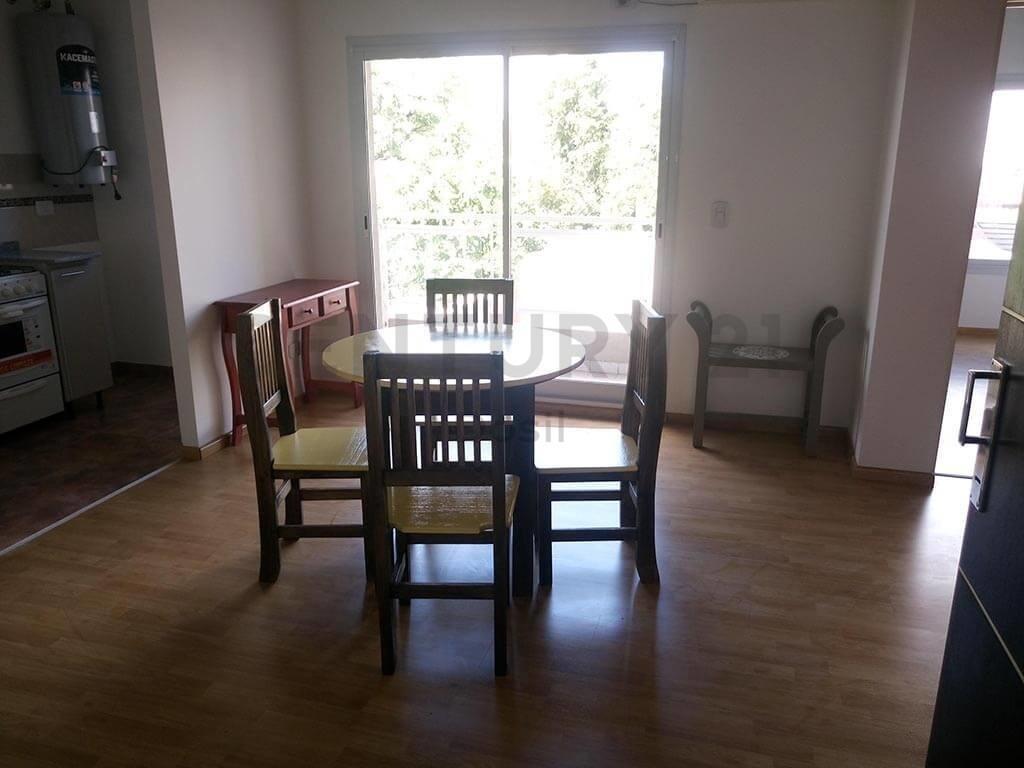 venta departamento dos ambientes en caseros con balcón