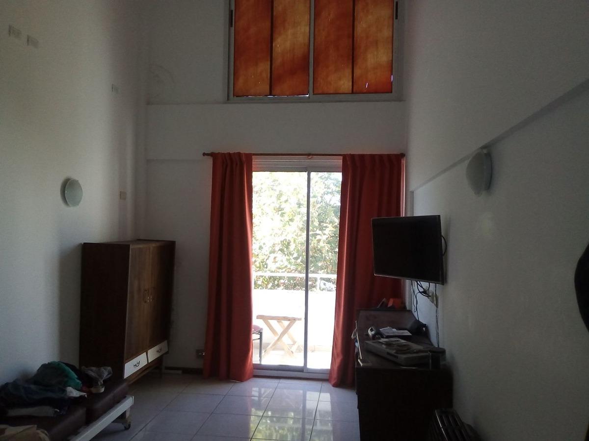 venta departamento dúplex 1 dormitorio con patio y balcón