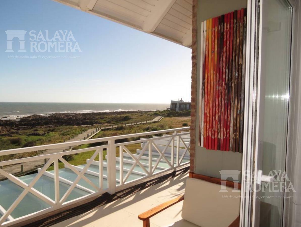 venta departamento en punta del este, la barra, dos dormitorios, 2 baños, garage, penthouse, frente al mar