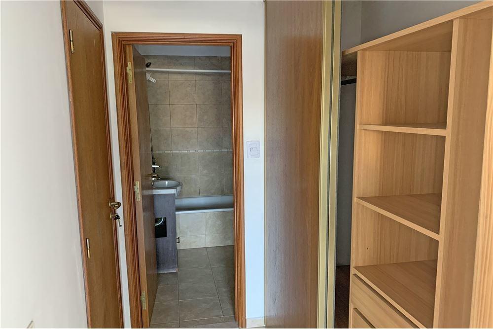 venta, departamento frente 1 dormitorio la plata