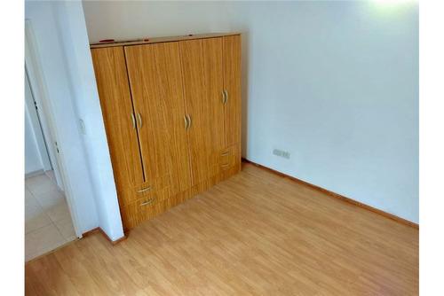 venta departamento planta alta dos dormitorios.