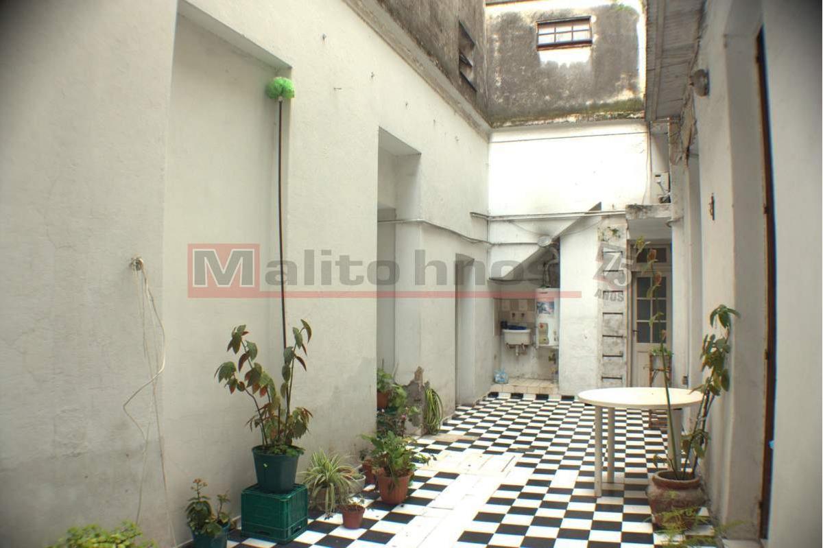 venta departamento tipo casa 3 ambientes con patio en parque avellaneda