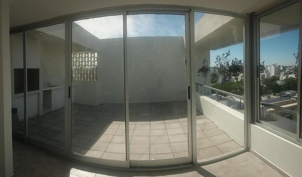 venta-departamento triplex c/coch.7 e/plaza y 66-la plata